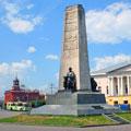 Монумент на соборной площади, г. Владимир